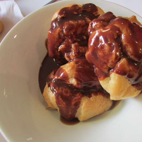 Come Dine With SU holiday - profiteroles